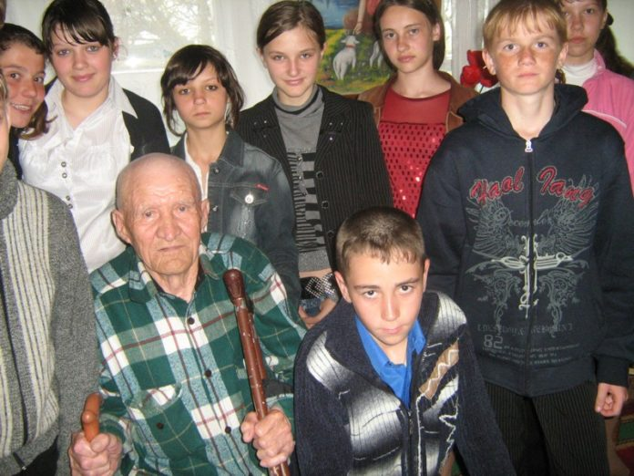 Ветеран с молодежью
